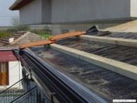 РЕМОНТ на покриви, отстраняване на течове, подмяна на изгнили, летви, обшивка, греди, подмяна на счупени керемиди, почистване на улуци от кал и шума
