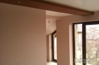 КАЧЕСТВЕНО шпакловане стени 4.50лв кв.м ,тавани 5.50лв кв.м ,оформяне с лайсни около сменени прозорци 6лв лин .м,боядисване с латекс 2.35лв кв.м