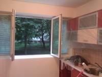 ОСВЕЖАВАНЕ на жилища , офиси ,помещения с латекс 1.50лв м2 едноцветно, 2 цвята 2.20лв м2 ,перфектно облепване с найлон, разглобяване и местене на мебели,оформяне на ръбове с лайсни около сменени прозорци 7лв лин м,гарантираме качество и коректност